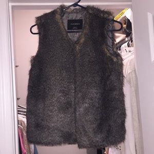 Fur vest new with tag